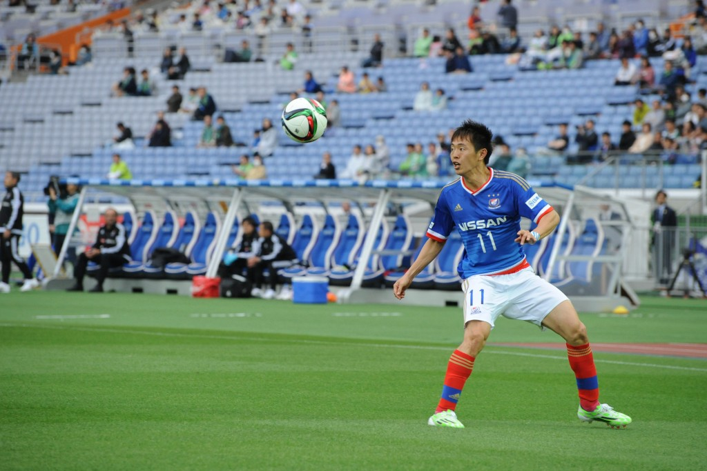 (EDITORIAL USE ONLY) xxx during the J.League match between Yokohama F.Marinos and Shonan Bellmare at Nissan Stadium on April 25, 2015 in Yokohama, Kanagawa, Japan.