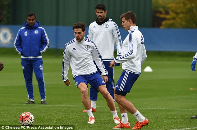 2D7ACD5600000578-3276167-Cesc_Fabregas_had_seven_assists_after_eight_matches_but_has_mana-a-22_1445012787475